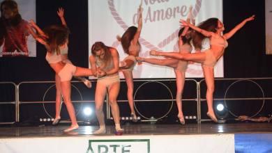 """Photo of """"Nodi d'amore"""", tutti insieme sul palco con Artemisia"""