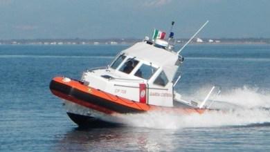 Photo of Sfrecciano con l'acquascooter, in due fermati dalla guardia costiera