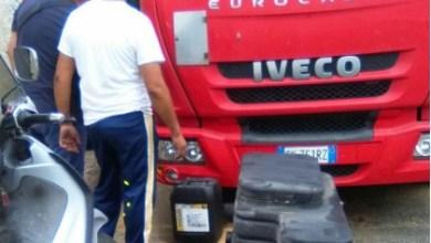 Photo of Casamicciola, camion rompe il serbatoio: carburante sulla banchina