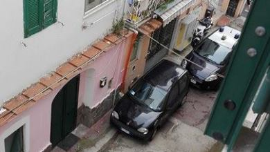 Photo of Via Alfredo De Luca, ladri di biciclette in azione