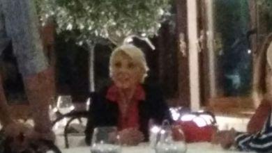 Photo of La madre di Matteo Renzi in vacanza sull'isola