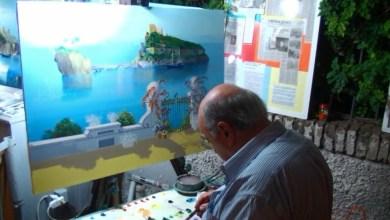 Photo of Roberto Zaccardelli, da trent'anni sul Corso a dipingere l'amore per Ischia