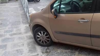 Photo of Santa Maria di Loreto, l'auto blocca l'accesso alla rampa per disabili