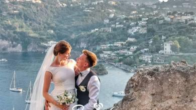 Photo of Dalla Siberia a Ischia per amore: il sì più importante sul Castello Aragonese