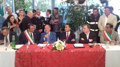 Photo of Di Maio in consiglio a Casamicciola: «Pronti a varare un decreto Ischia»