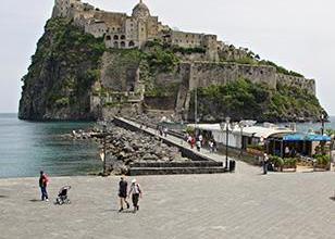 Photo of Ischia Ponte, stop al transito dei bus fino a domani