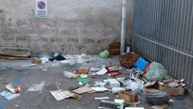 Photo of Il mercato di Forio è pieno di rifiuti, insorgono (e puliscono) i commercianti