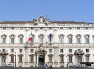 "Photo of Il decreto arriva al Quirinale, poi spunta la ""frenata"