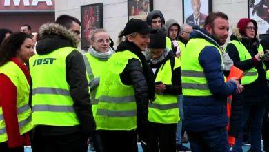 Photo of Caro Benzina: in Francia morti e feriti, a Ischia si accetta di pagare anche 2 euro al litro