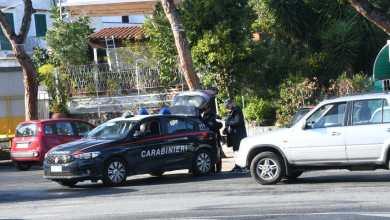 Photo of Guidano usando il cellulare, fioccano le multe dei carabinieri