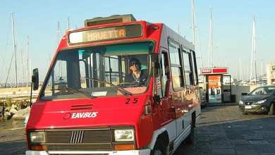 """Photo of Strade strette, l'isola ha bisogno di """"mini"""" autobus"""