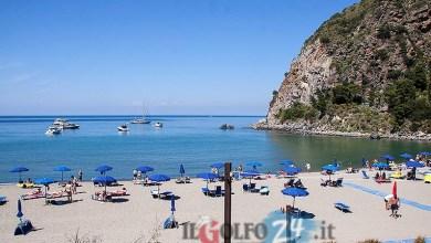 """Photo of Le spiagge e le reti divisorie vero """"pugno nell'occhio"""""""