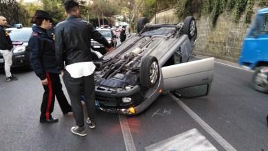 Photo of Superstrada, incidente da paura: l'auto si capovolge