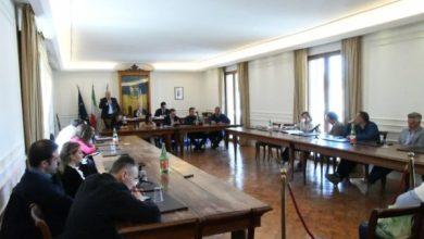 Photo of Ischia, il consiglio approva il bilancio: ma restano le ombre sull'allarme dei revisori