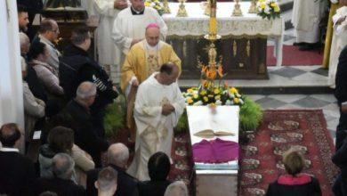 Photo of L'ultimo saluto a don Vincenzo, il prete degli ultimi