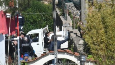 Photo of Ruspe ancora in azione, demolita un'abitazione a Lacco Ameno