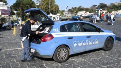 Photo of Weekend di arrivi sull'isola, forze dell'ordine al lavoro