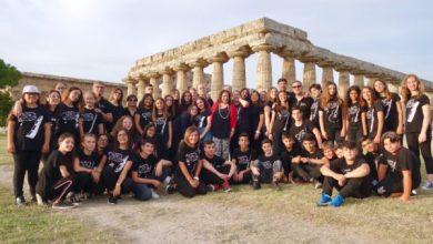 """Photo of IC """"V. Mennella"""" tra i templi di Paestum  per il gran finale di """"Musica d'InsiemI"""""""