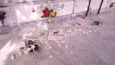 Photo of LA FOTONOTIZIA Crolla marmo al cimitero, colpa dei fuochi di San Vito?
