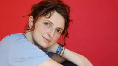Photo of La regista  Alice Rohrwacher dietro la macchina da presa