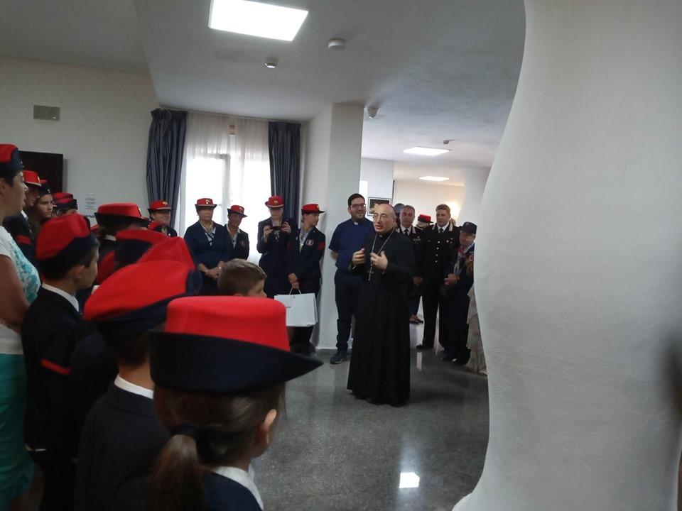 Il Vescovo incontra gli orfani dei militari dell\'Arma dei ...