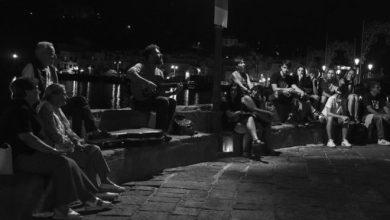 Photo of Ischia, musica e filosofia per strada contro lo sconnessione civile
