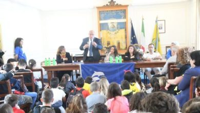 Photo of 700 borracce agli studenti della Scuola Media Scotti