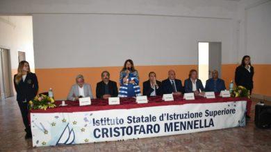 Photo of De Magistris incontra incontra il mondo della scuola:  «Siate uomini e donne libere»