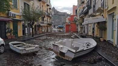 Photo of Ischia in ginocchio dopo il maltempo, chiesto lo stato di calamità naturale