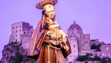 Photo of Il santo e l'illustre professore, ovvero il diavolo e l'acqua santa. Profumo di San Giovan Giuseppe a Ischia ponte tra mistica e cultura