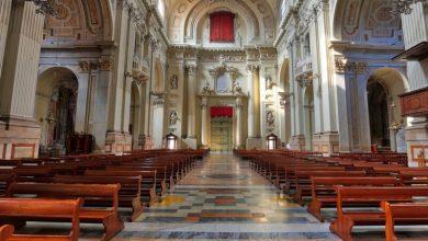 """Photo of A messa col Covid-19, il sacerdote """"predica"""" calma"""