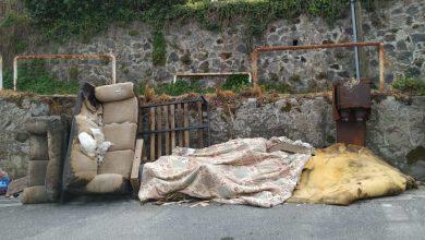 Photo of LA FOTONOTIZIA Degrado via Quercia, ingombranti in strada nei giorni dell'emergenza