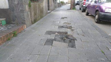 Photo of Ischia, via Antonio Sogliuzzo: buche e marciapiedi rotti