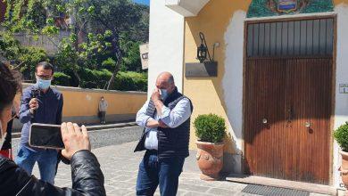 Photo of L'agonia dei noleggiatori, consegnate le chiavi delle attività al sindaco