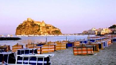 Photo of Voglia di mare, di sole e di …fresco: assalto alle spiagge libere. Concessionari incavolati per concorrenza e regole antivirus