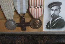 Photo of A Maria Giovanna Di Iorio inchiostro di calamaio schizzato sull'abito al comune nel 1942