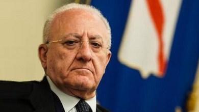 Photo of De Luca, riecco il lanciafiamme: «Rispetto delle regole o chiudo tutto»