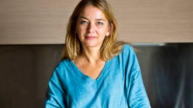 """Photo of L'EVENTO """"Planimetria di una famiglia felice"""" Lia Piano a Ischia con il suo libro d'esordio"""