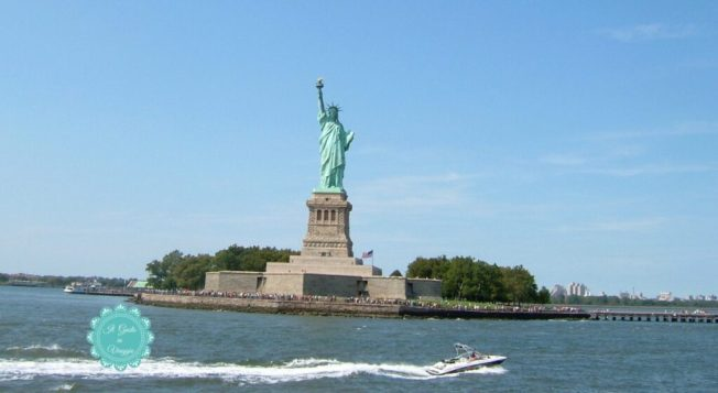 visita alla statua della libertà new york city