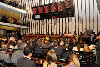 Deputados estaduais eleitos e reeleitos tomam posse na manhã desta sexta-feira 2