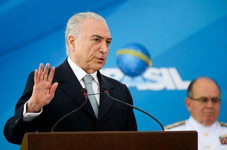 Temer vai vetar emenda do projeto de reforma política apontada como 'censura', informa Planalto 6