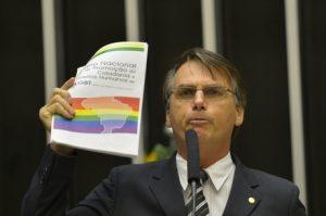 Bolsonaro é condenado a pagar $ 150 mil a fundo de defesa LGBT. 6