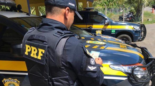 PRF flagra e prende condutor com CNH falsa na BR 101, em Aurelino Leal (BA) 2
