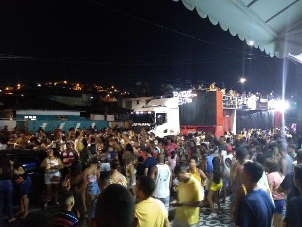 ILHÉUS: Bloco Os Biribanos agitou pré-carnaval no Malhado 1