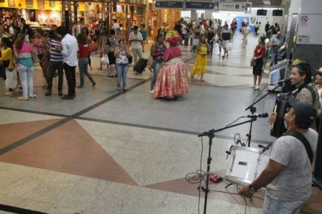 Valeu, foi bom, volte logo: 310 mil turistas saem de Salvador via aeroporto até domingo 2