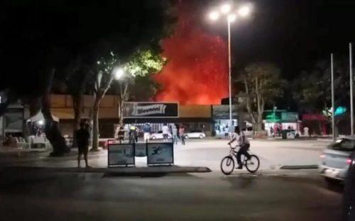 Incêndio em vegetação no centro de Eunápolis assusta moradores e comerciantes 7