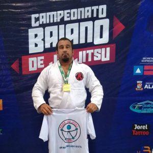 Tiago Fagundes (Tiagão) da Raiz Jiu Jitsu trouxe mais uma para Ilhéus