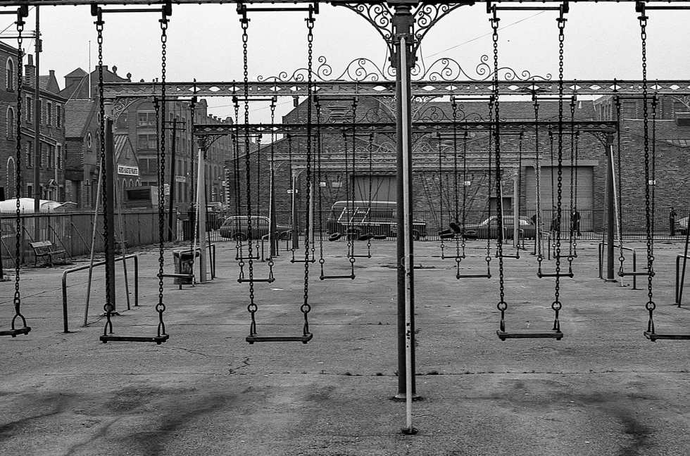 Glasgow Swing Park - 1970s photographs by Jonathan Treen