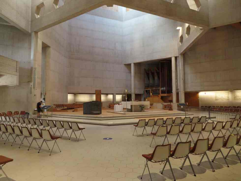 Clifton Cathedral altar and organ