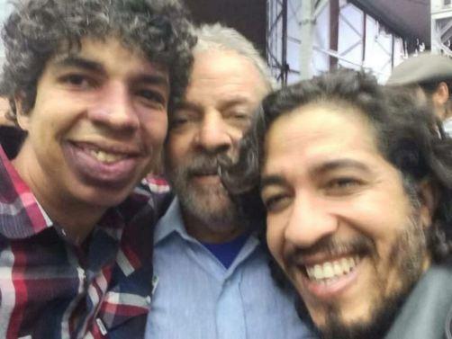 Dono da página Quebrando o Tabu com Lula e Jean Wyllys